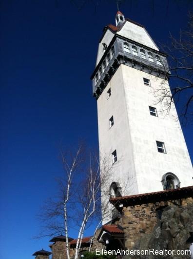 Simsbury CT - Heublein Tower