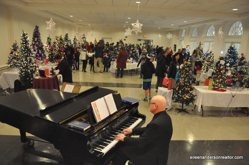 Festival of trees, West Hartford Holiday Stroll, Things to do with Kids