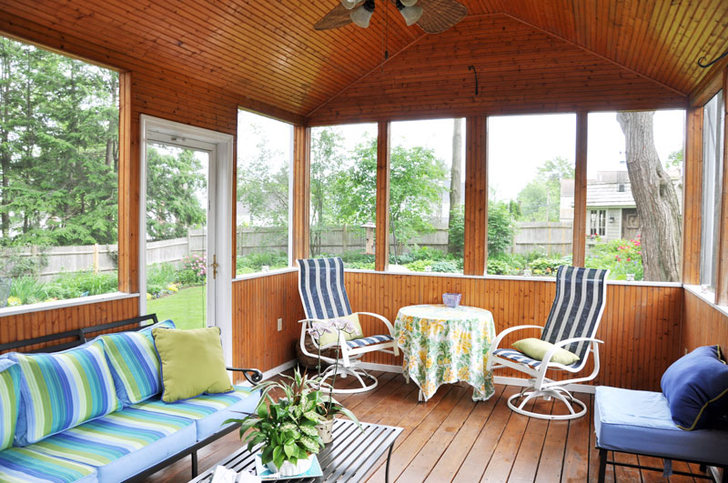 outdoor-living-screen-porch-landscape-design