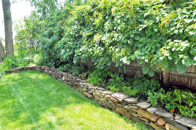 how build stone wall shade gardens