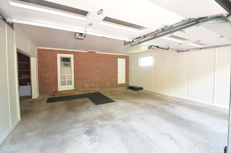 garage-makover-white-paint